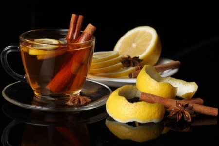 lemon-skin--cup-of-tea--tea--cinnamon-sticks_3241979