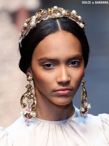 fall-2012-makeup-trends-gold-accents-dolce-and-gabbana