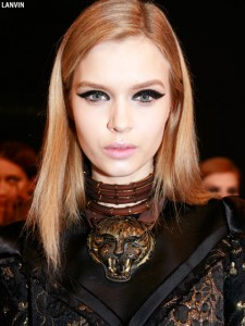 fall-2012-makeup-trends-graphic-black-cat-eyes-lanvin