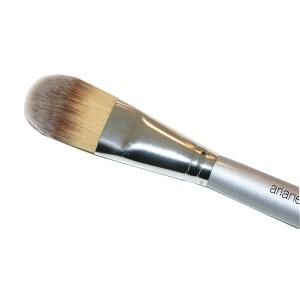foundation-brush1