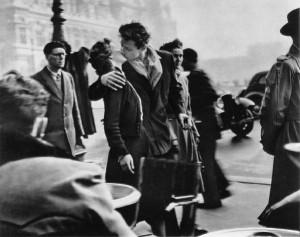paris-sarutul-de-la-primarie
